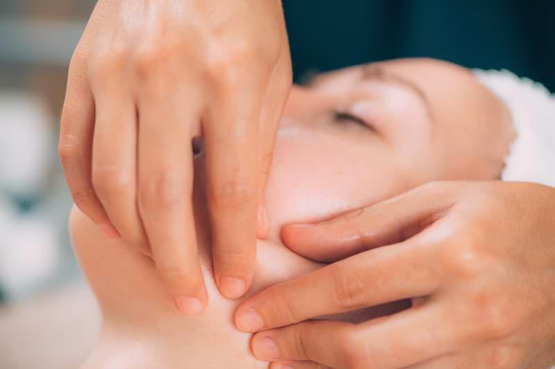 Liftingová masáž